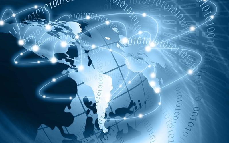 La telefonía IP es la nueva tecnología que está revolucionando las comunicaciones en todo el mundo, combinado las llamadas de voz con los datos. Esto principalmente para poder brindar una calidad en cada llamada mucho mejor a un costo mucho más bajo que las compañías tradicionales.